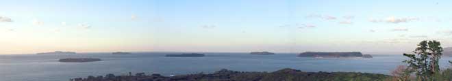 笠山山頂(萩市越ヶ浜)から六島を臨む